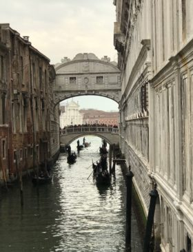 Bacari veneziani: tour di Venezia attraverso le osterie