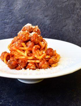 Spaghetti alla chitarra con polpettine: ricetta abruzzese