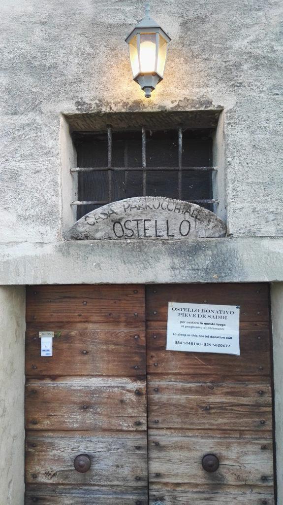 Ostello casa parrocchiale a Pieve de Saddi lungo il cammino di San Francesco