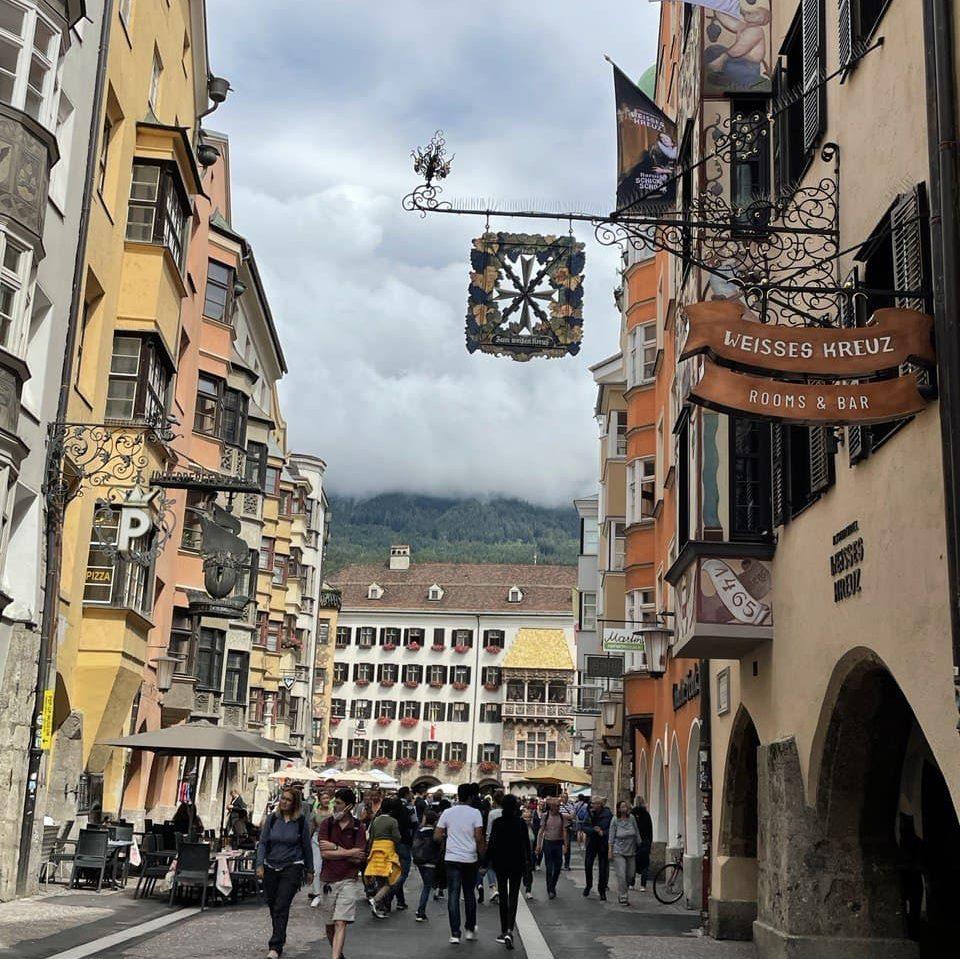 Innsbruck cosa vedere - La piu' bella via di Innsbruck: Maria-Theresien-Strasse